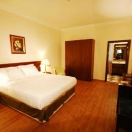 golden-crown-hotel
