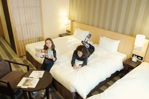 Family-hotel-Tokyo_thumb