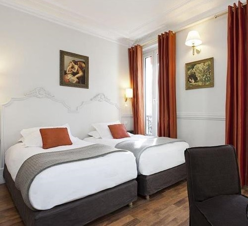 De La Porte Doree Hotel