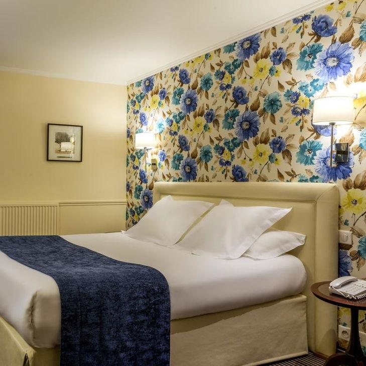 Отель Relais Bosquet в Париже