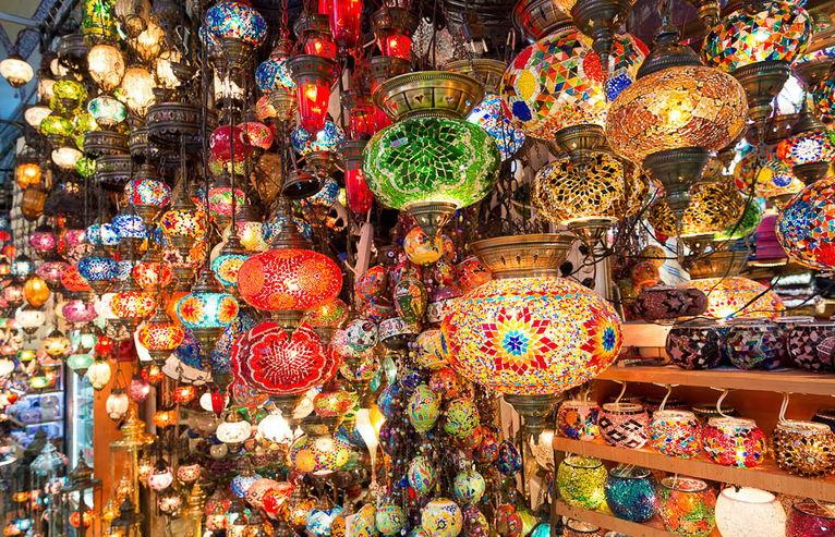 Гранд Базар в Стамбуле или рынок Капалы Чарши: излюбленное место для покупки сувениров